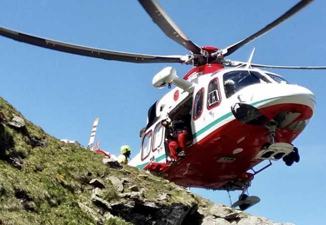 elicottero bianco salita costone primo piano