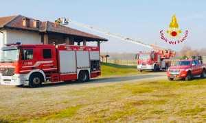 vigili del fuoco incendio camino