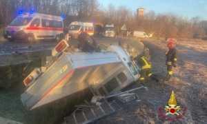 vigili del fuoco incidente furgone rovasenda